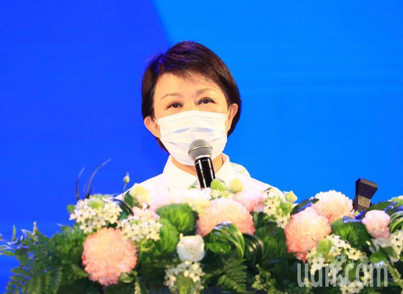 台中市長盧秀燕表示「內輪」當市長,希望扶輪設有多協助及批評指教。 記者陳秋雲/攝影