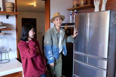 香港名人豪宅華麗,台灣藝人自宅也很驚人,不僅兼具藝術,更有個人風格,像是柯震東先前在YouTube頻道公布的2間自宅,就讓不少人驚呼連連,其中他的「漫威」1比1公仔搜集系列,最令不少粉絲羨慕。柯震東...
