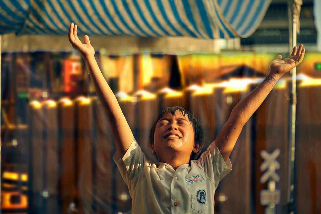 「天橋上的魔術師」童星李奕樵的演出讓觀眾感動不已。圖/公視、myVideo提供