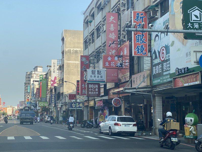 台南市警局目前管理全市1萬多支監視器,其中有6千多支都裝設在重要道路。記者修瑞瑩/攝影