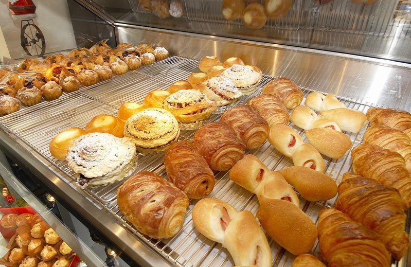 營養師po出常見的六種麵包熱量,呼籲民眾早餐要減少精緻澱粉的攝取。示意圖/ingimage