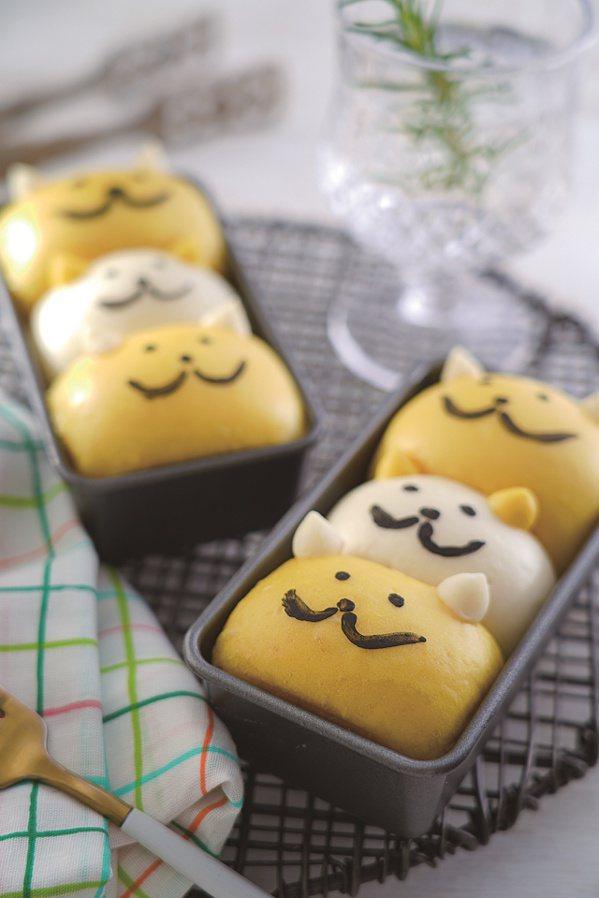 運用薑黃麵團做的超可愛小貓咪手撕饅頭。 圖/橘子文化提供