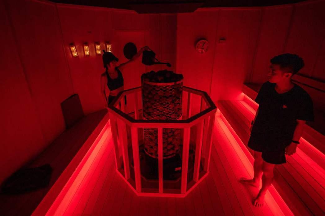 team Lab展覽的「桑拿區」。 圖/法新社