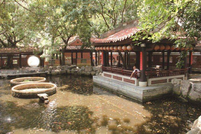 位於北屯區的民俗公園,是全台第一座民俗公園,建築以閩式風格為主,佔地1.6公頃,...