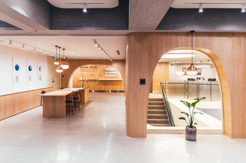Plan b為台北富邦銀行北台南分行,其中20%空間進行改造。圖/Plan b提...