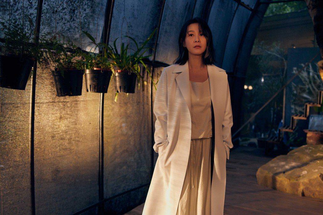 劉若英的「奶式情歌」深刻刻劃都會城市女子感情觀。圖/相信音樂提供