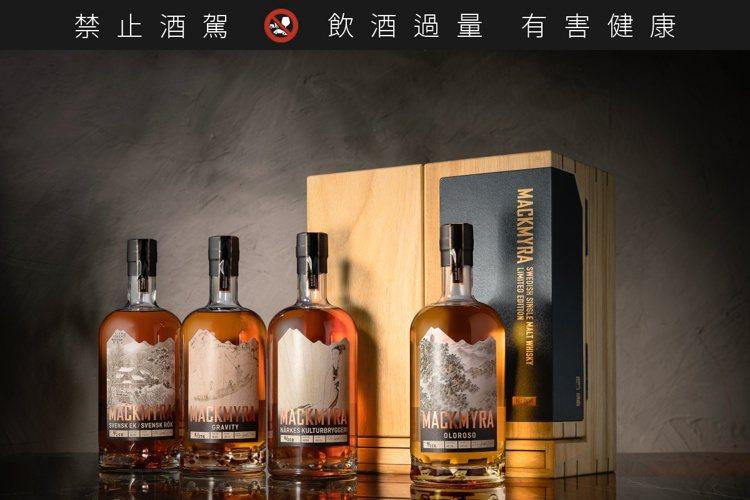 麥格瑞威士忌與傅抱石、傅益瑤水墨畫聯名,共推出4款珍藏藝術限量版,限量258組。...