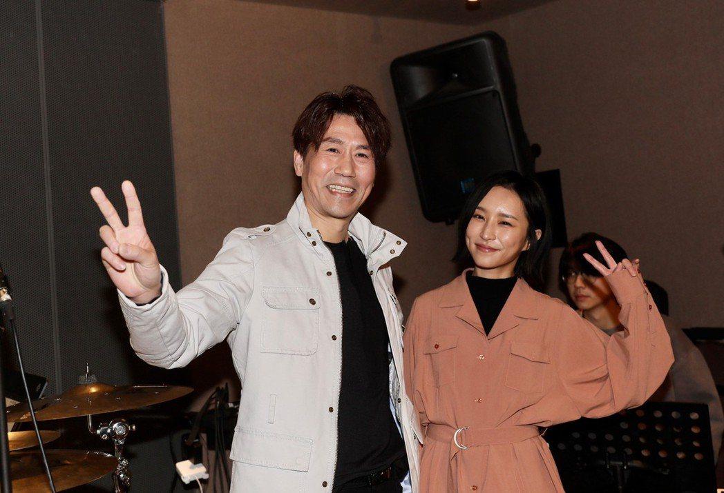 羅時豐(左)與法蘭將在27日登上「大港開唱」。記者李政龍/攝影