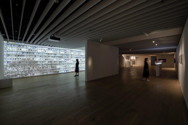 《殘山剩水—我們的城市失敗了嗎?》邀集12位藝術家參與。圖/忠泰美術館提供