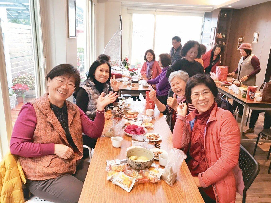 「死亡咖啡館」常常舉辦生死教育的聚會及課程。   圖/郭慧娟提供