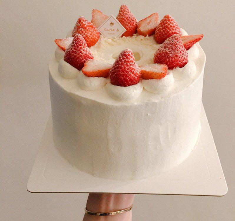 草莓蛋糕。(圖/Facebook臉書粉絲專頁「編輯的餐桌」提供)