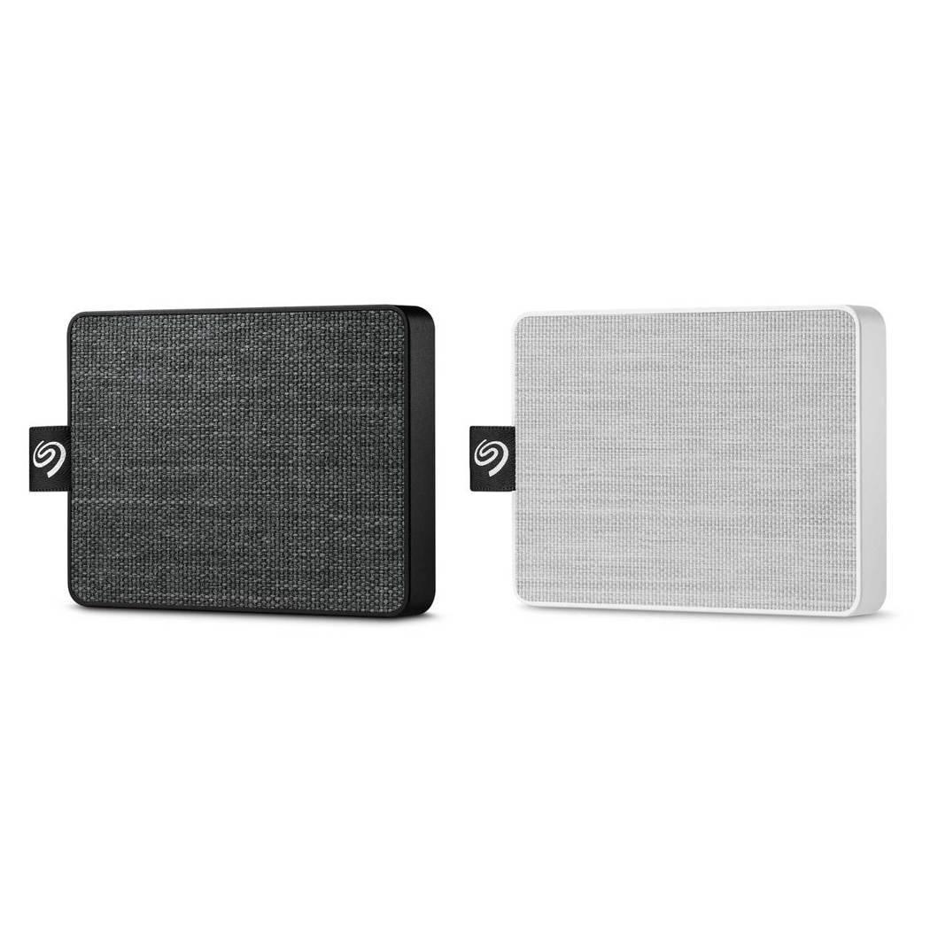 口袋般大小的 One Touch SSD 以織紋布料包覆機身,予人溫暖舒適的紋理...