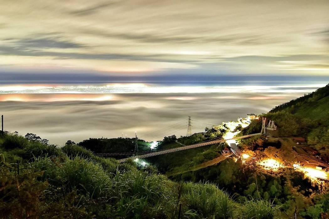 嘉義梅山的太平雲梯為全台灣海拔最高的景觀步橋,走在上頭有如漫步在雲霧中。 Sea...
