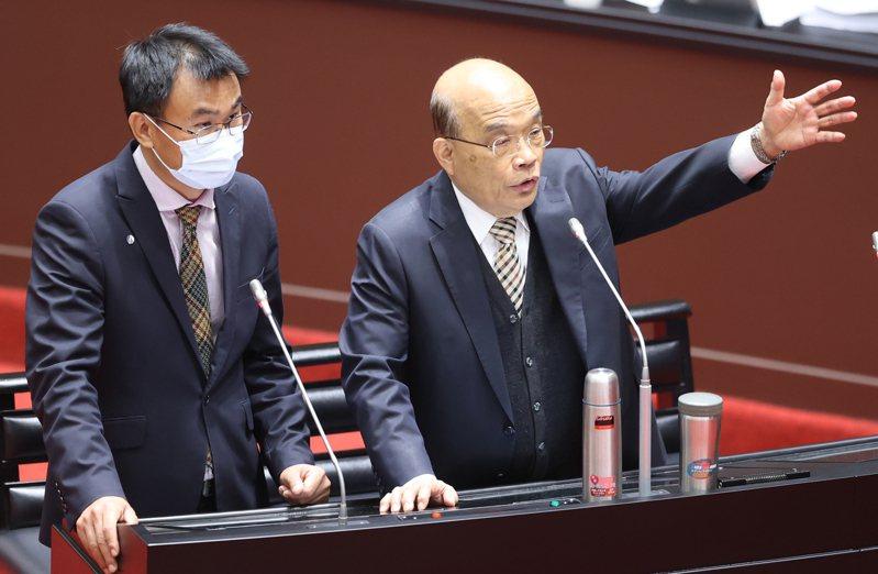 蘇貞昌(右)在立法院答詢與農委會主委陳吉仲(左)列席。記者曾學仁/攝影