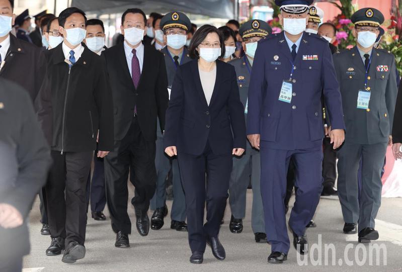 蔡英文總統出席三軍總醫院松山分院動土儀式,致詞時談及F-5E戰鬥機意外一事,表明「很遺憾」。記者林俊良/攝影