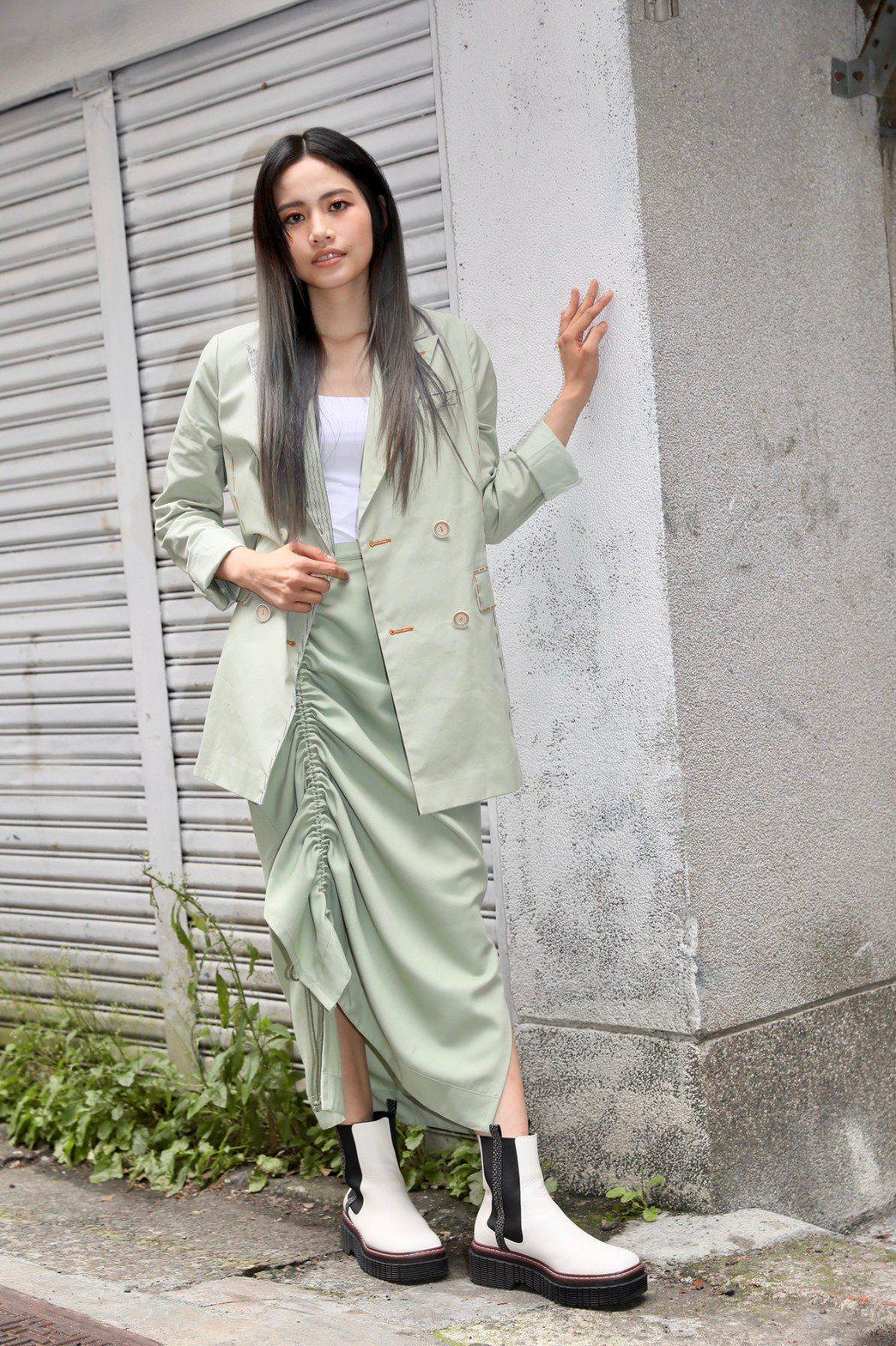 吳汶芳歡慶31歲生日,宣布以獨立之姿推出新曲「我沒錯」。記者李政龍/攝影