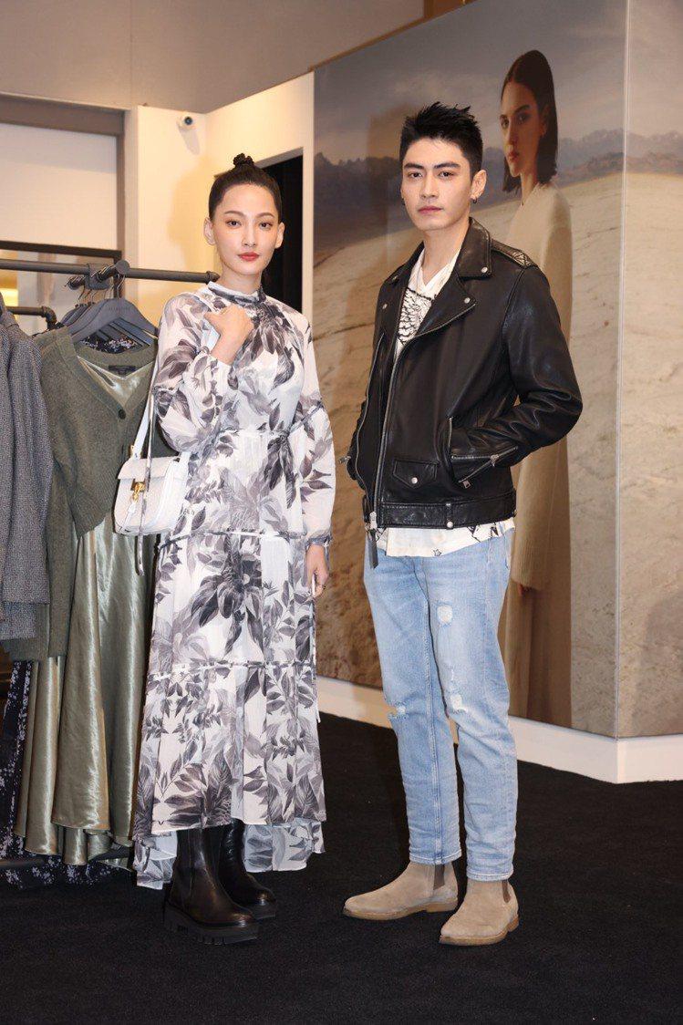 林映唯(左)身穿Eimear兩件式印花洋裝15,200元、Billie中筒靴14...