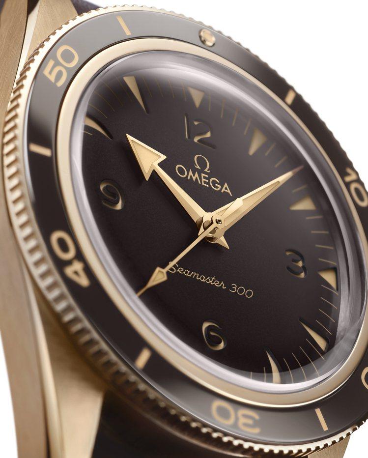 「青銅金」同時具有抗腐蝕、美麗成色兩種特點。圖 / OMEGA提供。