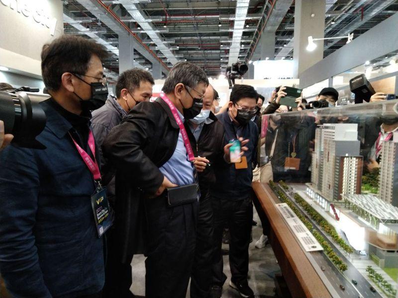 台北市長柯文哲、副市長黃珊珊今天下午出席智慧城市展台北願景館揭幕。記者林麗玉/攝影