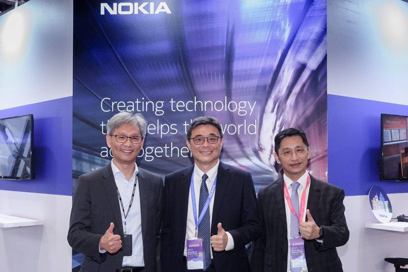 諾基亞攜手台廠攻5G企業專網。左起為和碩第六事業處總經理馮震宇、諾基亞大中華區副總裁暨台灣諾基亞通信總經理劉明達、台灣可億隆執行長張玉輝。諾基亞/提供