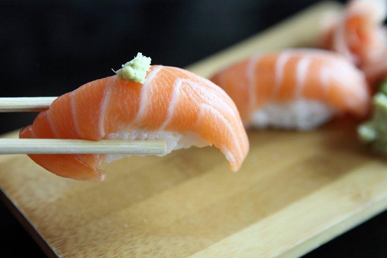 「鮭魚之亂」奇特現象引起社會廣泛討論,甚至登上國際媒體。圖/Ingimage