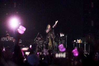 華語歌詞症候群/後來、記得、分手快樂⋯⋯那些把演唱會變成巨型KTV的冠軍單曲
