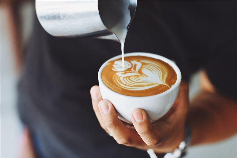 濃密奶泡讓咖啡更迷人  / 來源: pixabay