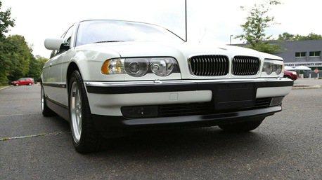 到底什麼來頭? 21年的BMW 7 Series還敢賣200萬!