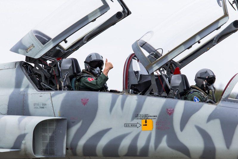 曾以安全性令空軍驚豔的F-5,如今卻被貼上老舊、危險的標籤。圖/軍聞社提供