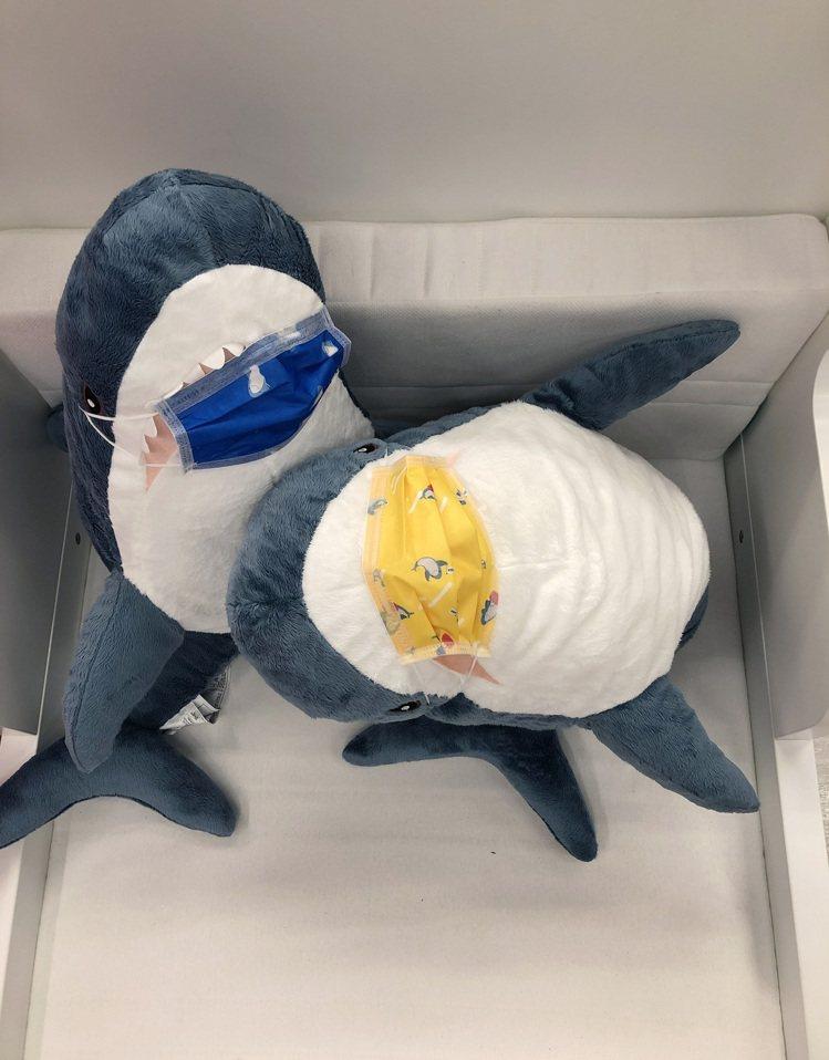 IKEA推出限量版鯊魚口罩,只送不賣。圖/IKEA提供