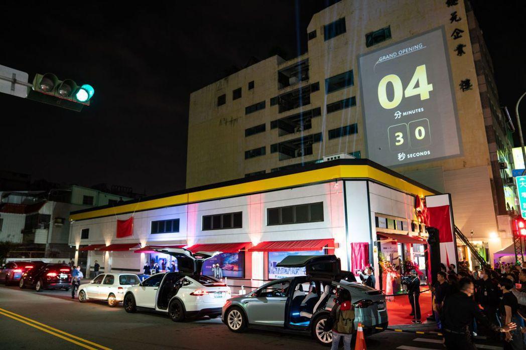 燦坤Surpass超越店新登場,帶動業績成長動能。圖/燦坤提供