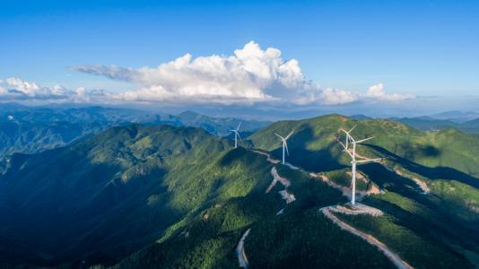大陸宣布到2030年二氧化碳排放將比2005年下降65%以上。圖為浙江雙苗尖風電...
