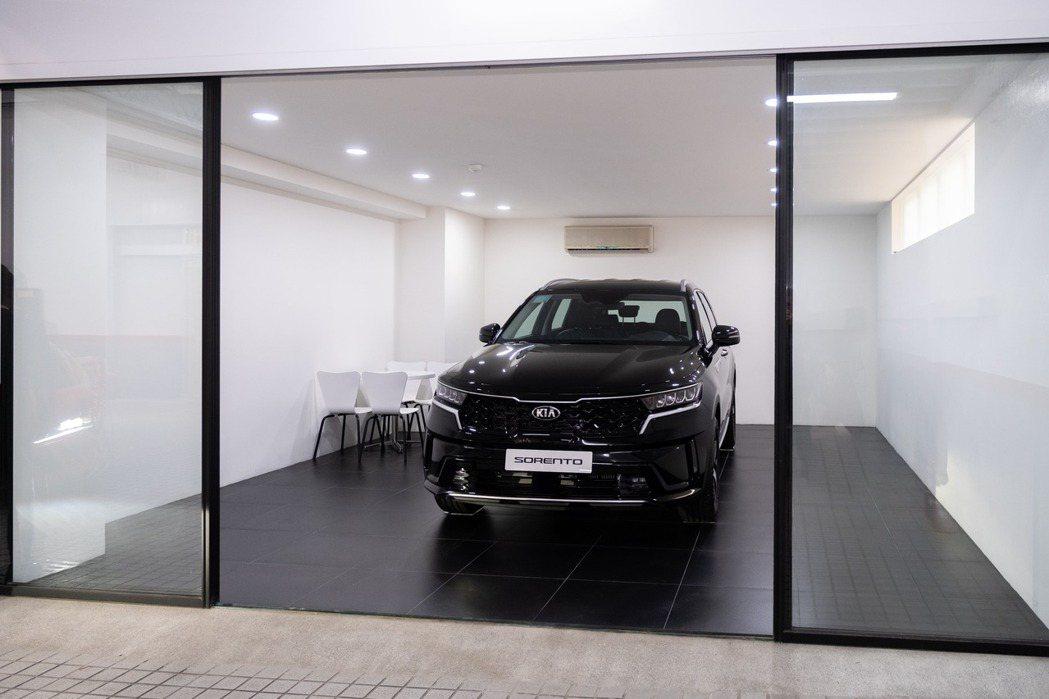 首度導入車主專屬交車室的空間設計,藉由專屬的獨立空間,讓整個交車過程更加舒適及隱...