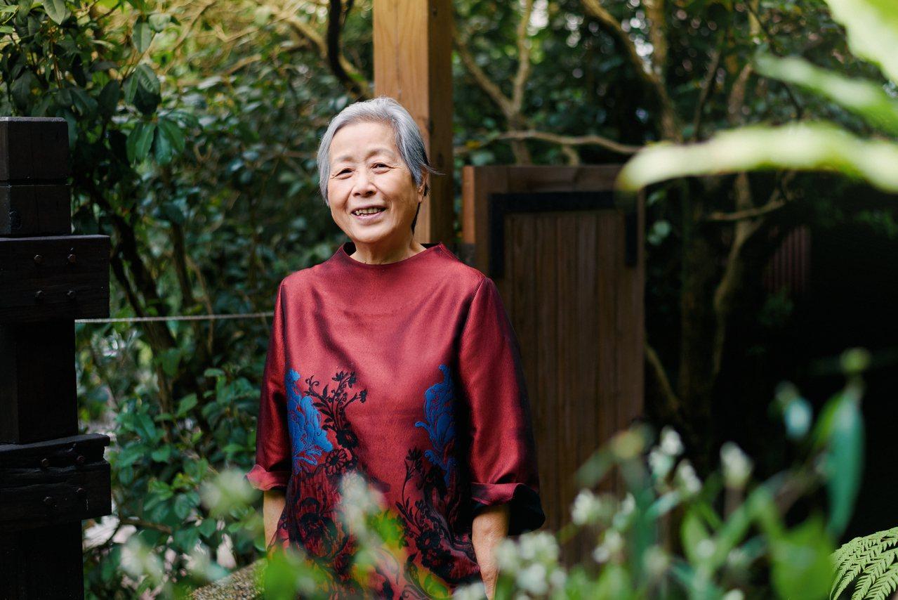 70歲的王培仁,以一支「媽媽的媽媽祖傳的蔥油餅」影片,在Youtube創造超過5...