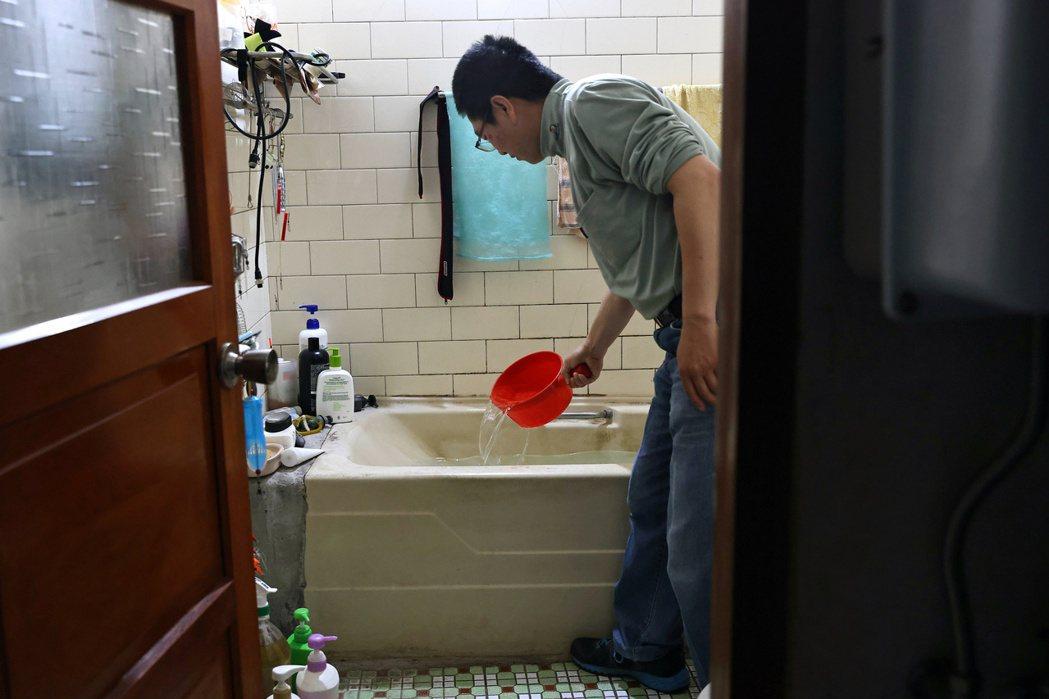 在極端氣候之下,如果水利署乃至整個政府,都還沒意識到台灣根本是水資源缺乏國家,而沒有積極的長遠調適對策,未來將會付出慘痛的代價。示意圖。 圖/路透社