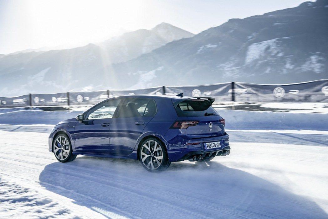 這次的Volkswagen Golf R換上全新的四驅系統。 圖/Volkswa...