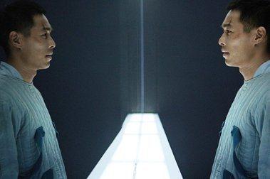 國片《複身犯》的人性思辨,失去社會連結的當代孤獨