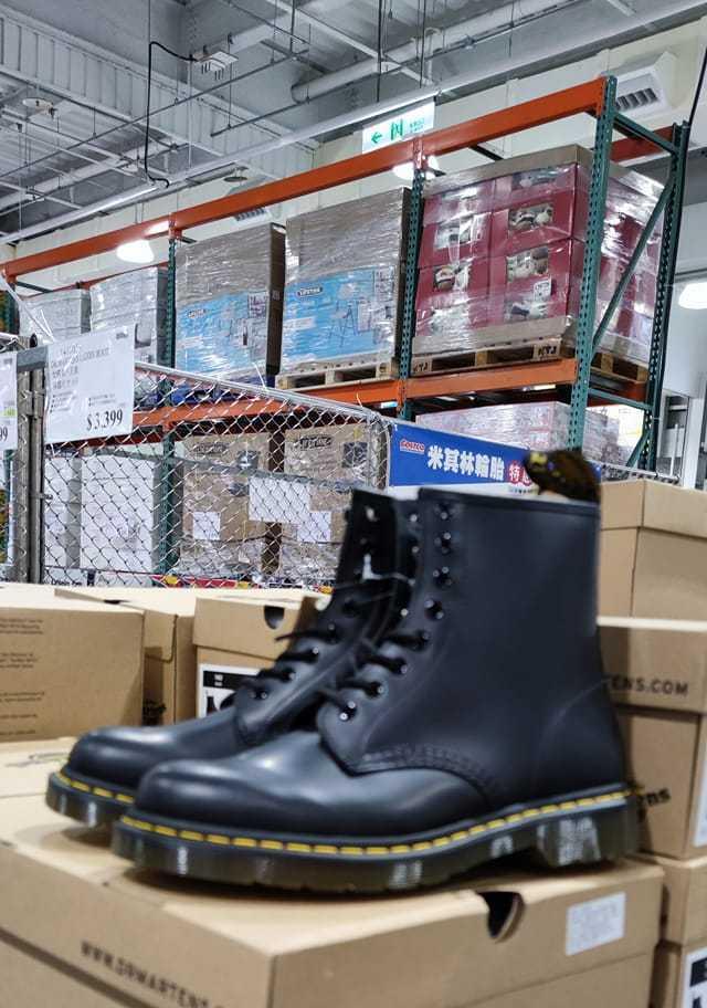 好市多販售黑色經典馬丁靴。圖/翻攝自Costco好市多 商品經驗老實說