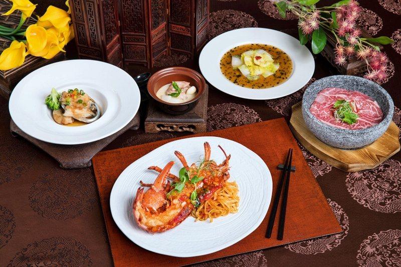 北投麗禧4月推出的年度一泊二食專案,晚餐部分,雍翠庭主打「經典龍蝦套餐」。 業者...