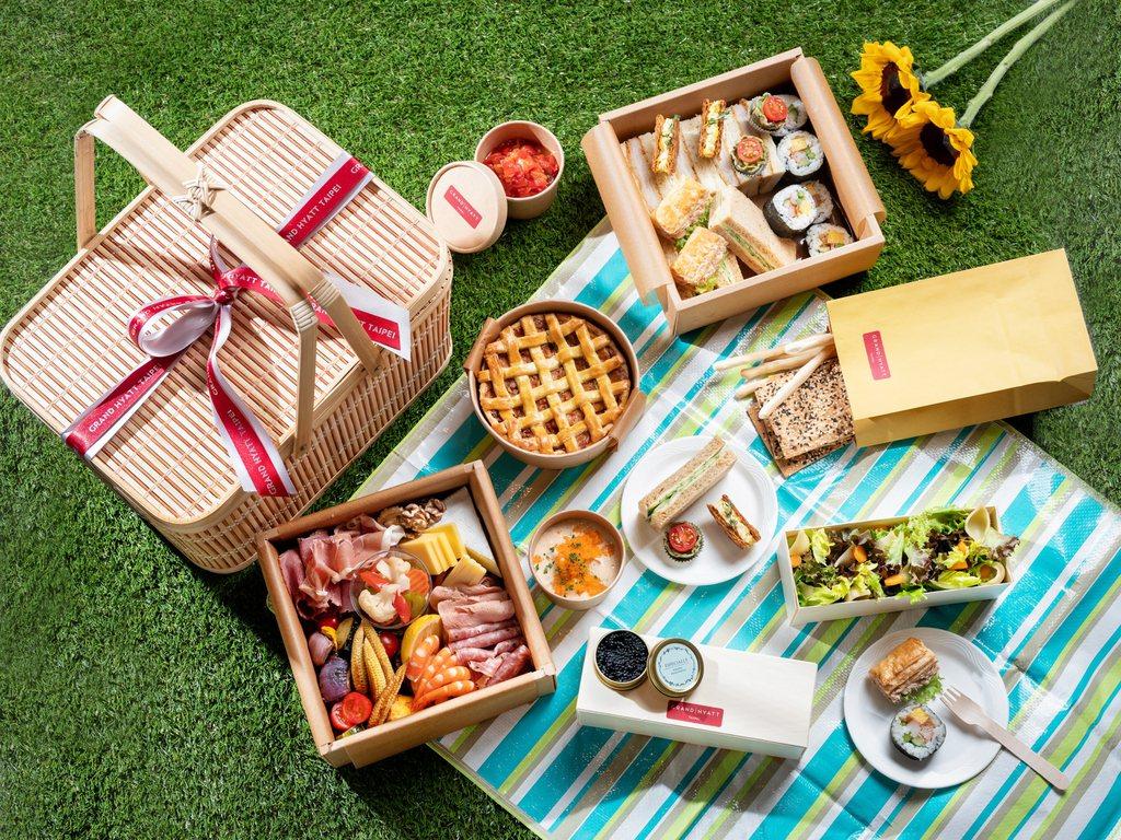 台北君悅酒店-繽紛野餐籃每組3600元。 業者/提供