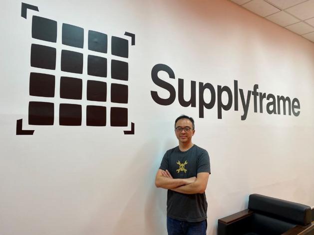 Supplyframe亞太區洪子倫總經理於成大創新實驗室。 Supplyfram...
