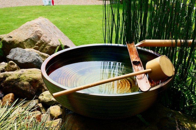 茶居庵前的「水琴窟」。
