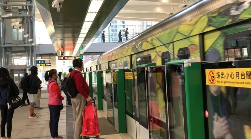 台中捷運綠線今日開始試營運。記者陳秋雲/攝影