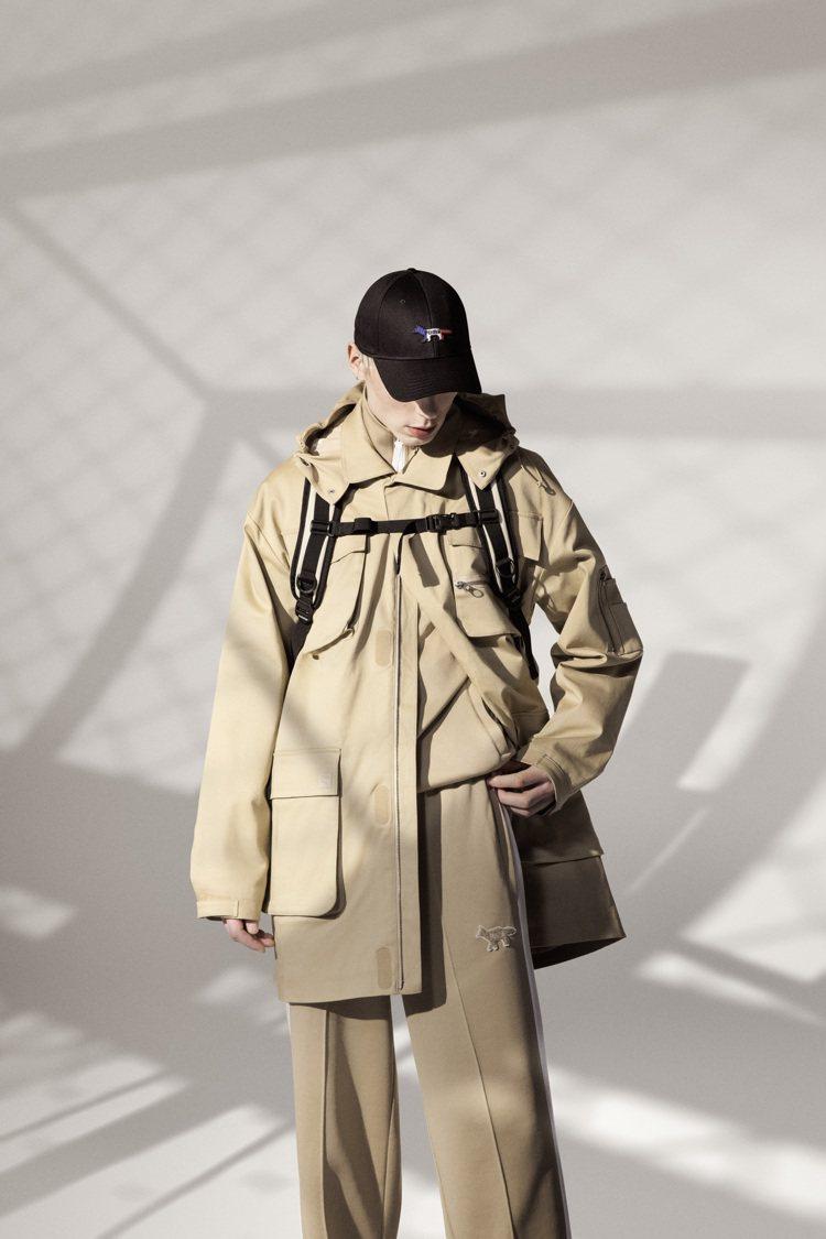 PUMA Maison Kitsune聯名系列軍裝風連帽外套11,980元、長褲...