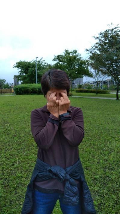 清晨在公園快走,除了吸收芬多精外,也讓眼睛順便運動。圖╱張鈺珠提供