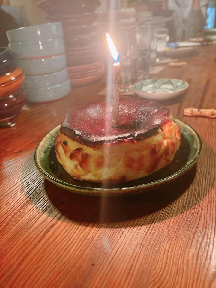 Selina大讚Hebe親做的起士蛋糕是世界上最好吃的。圖/摘自臉書