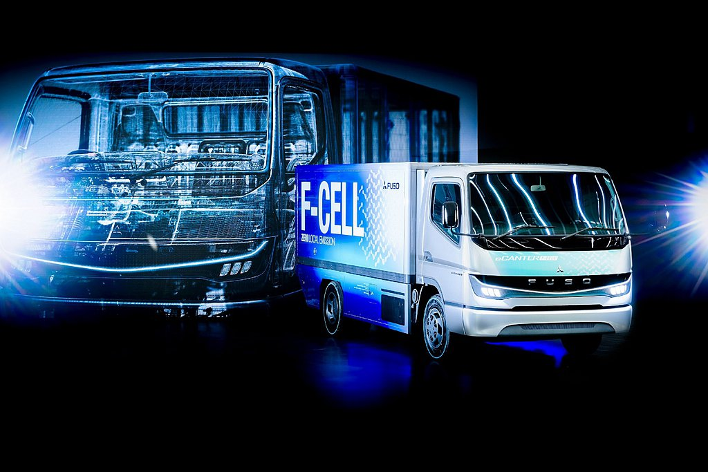 台灣戴姆勒亞洲商車(DTAT)為了2021商用車博覽會,特地將FUSO eCAN...