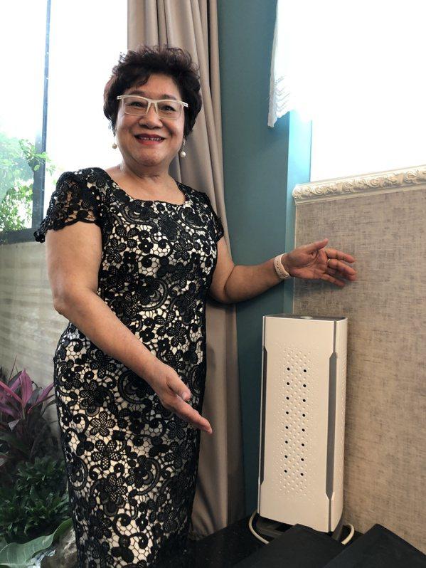 紀玉蓮用心款待客人,旅館內房間放置空氣清淨機,展現細膩一面。 圖/王慧瑛 攝影