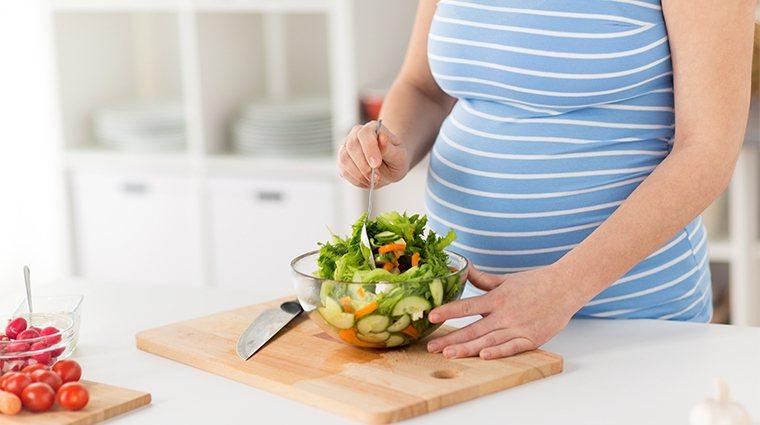 ▲懷孕期間應避免生食。(圖/ingimage)