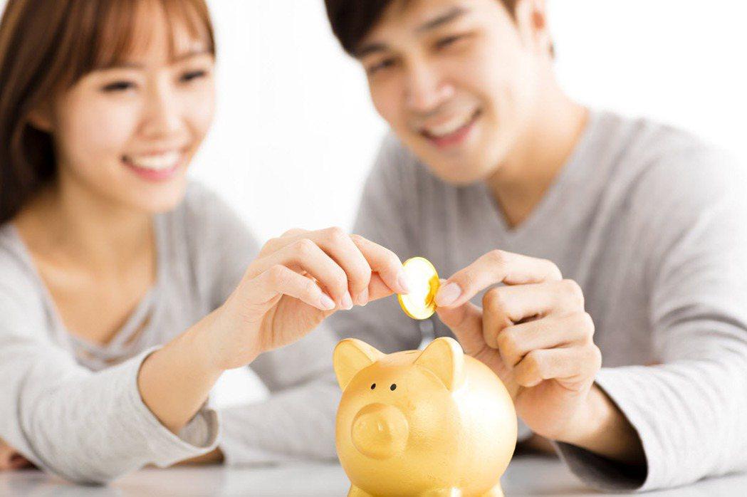 房地產保值的特性,讓買房成為愛侶們給彼此安全感的最高等級。